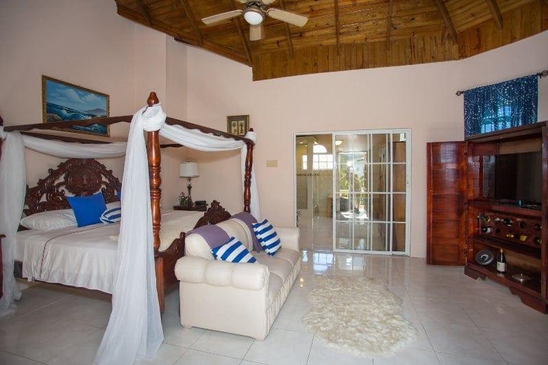 Jamaica villa rental master suite