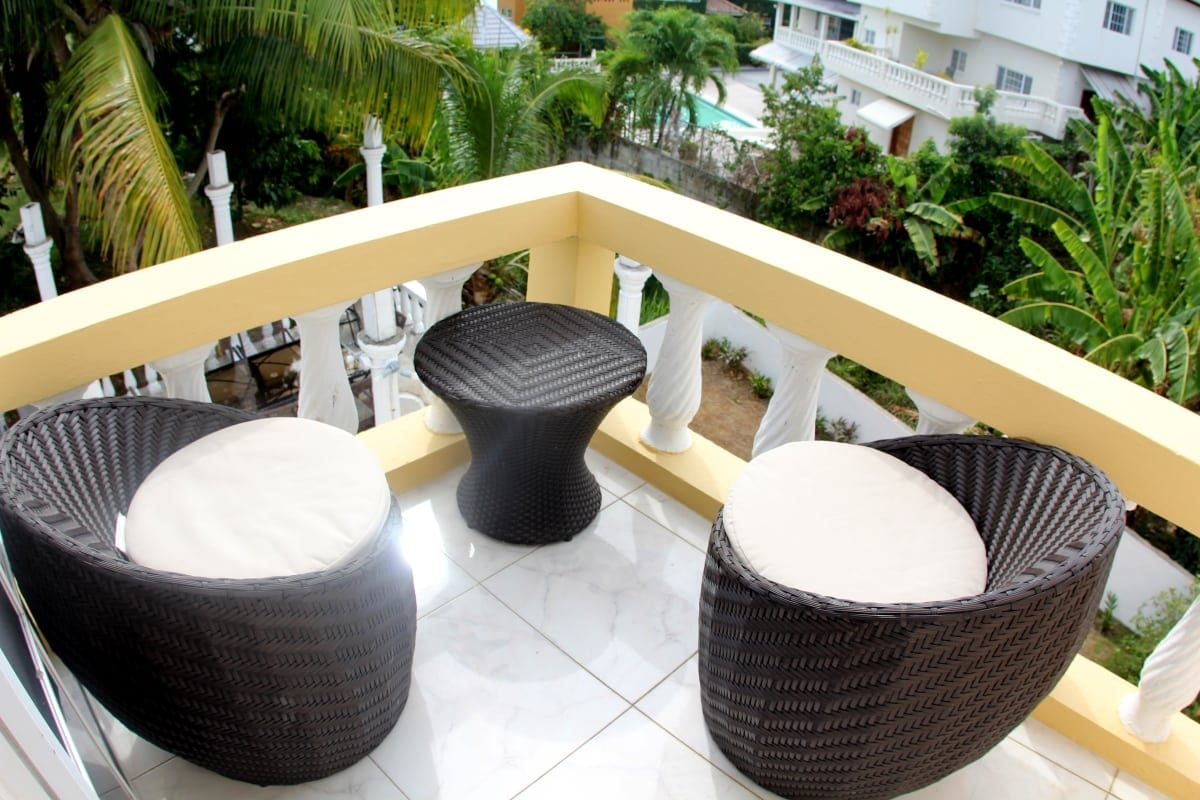luxury seating at Jamaica villa in Ocho Rios