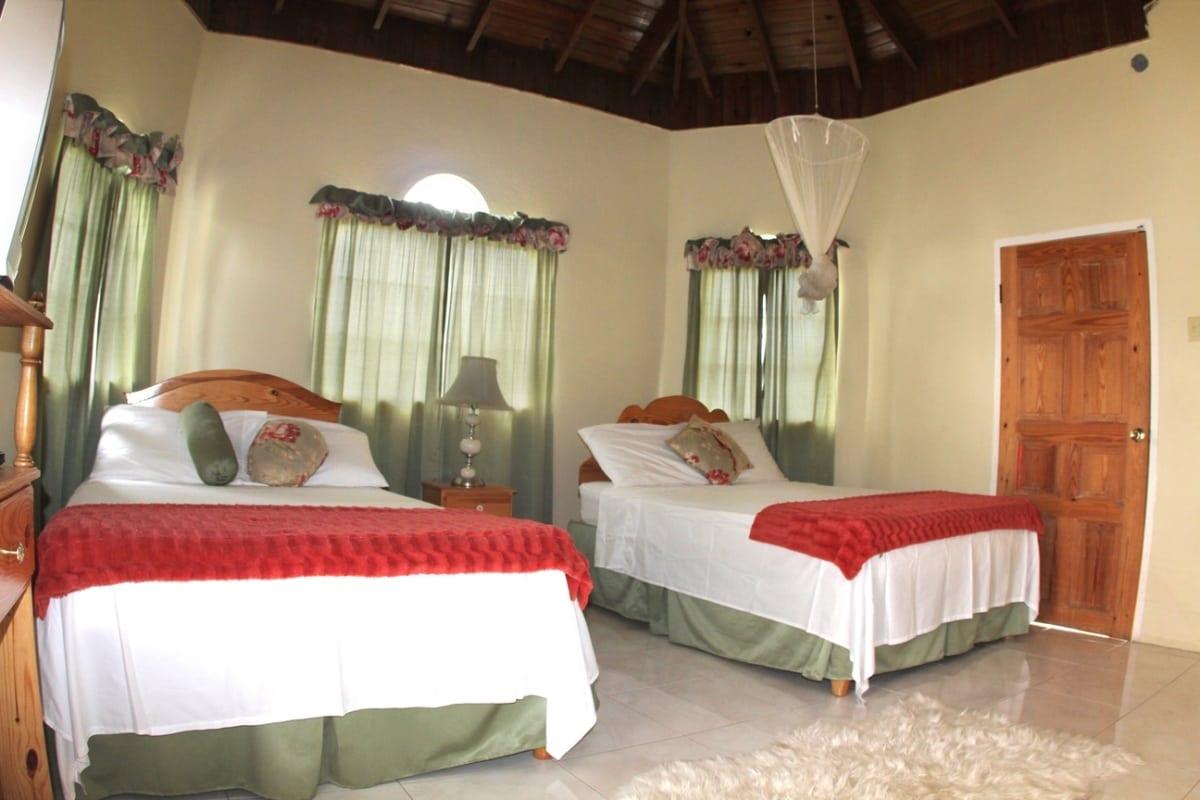 luxury Jamaica family bedroom