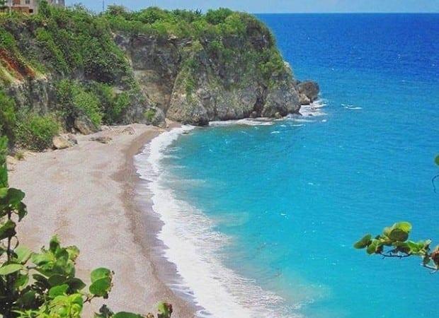 Jamaica villa with beach