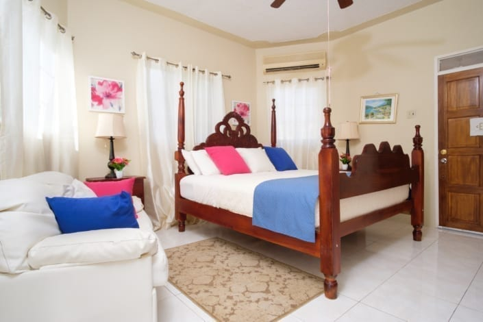 Jamaica villas kingsize bedroom,