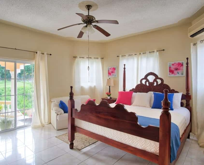 Jamaica villas in Ocho Rios king bedroom