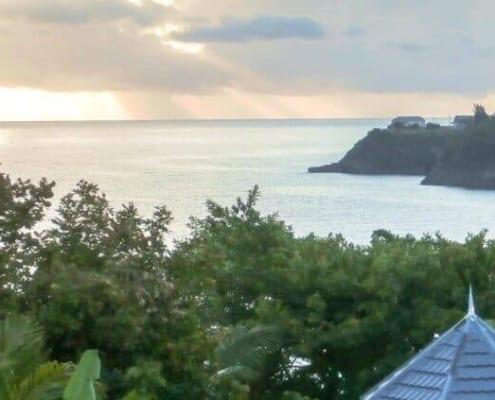 Jamaica villas in Ocho Rios with views of sea