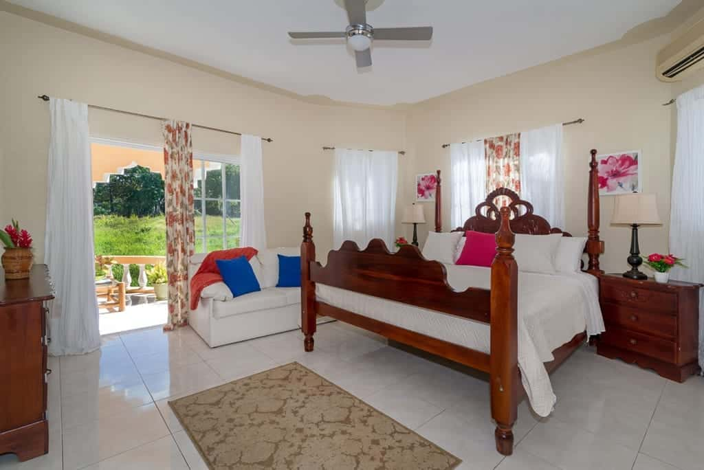Jamaica villa king size bedroom