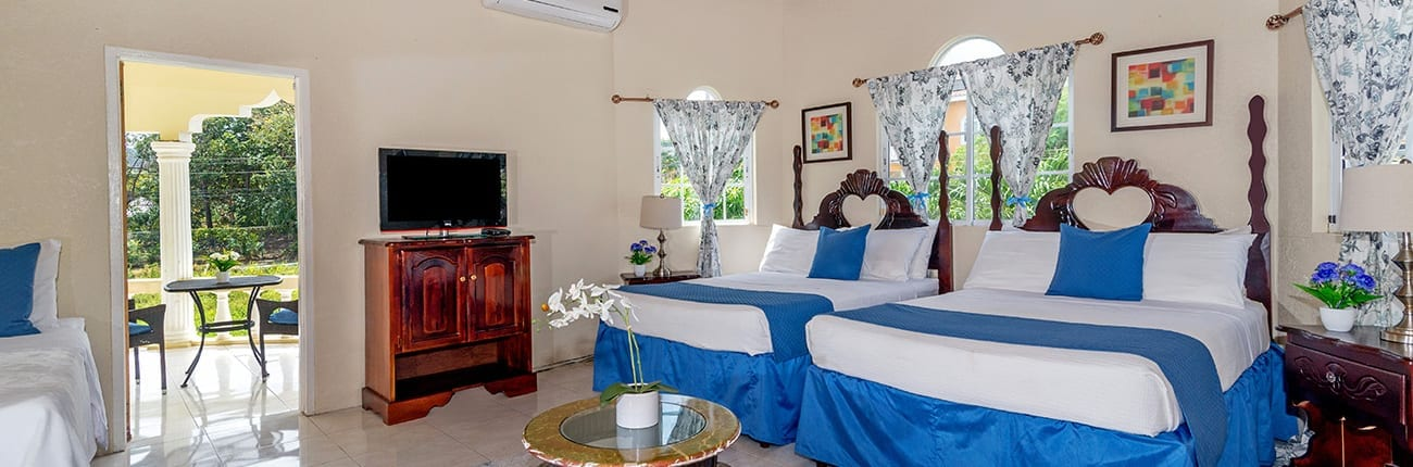 Jamaica villa with beds to sleep 4.