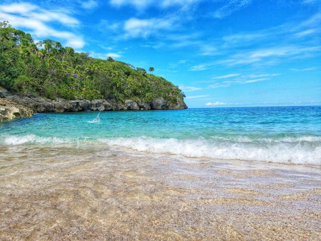 Jamaica villa -Splendor-Ocho-Rios-Jamaica-Bamboo-Beach-VIP-Excursion-View