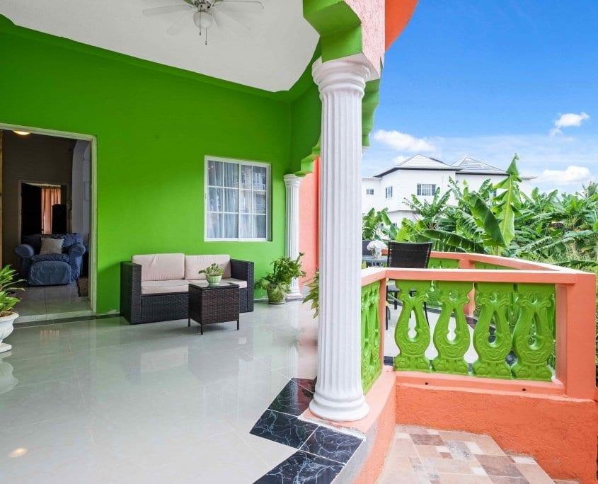 Ocho Rios VILLA private balcony