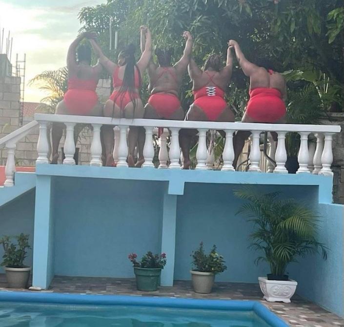 Jamaica villa BFF Getaway